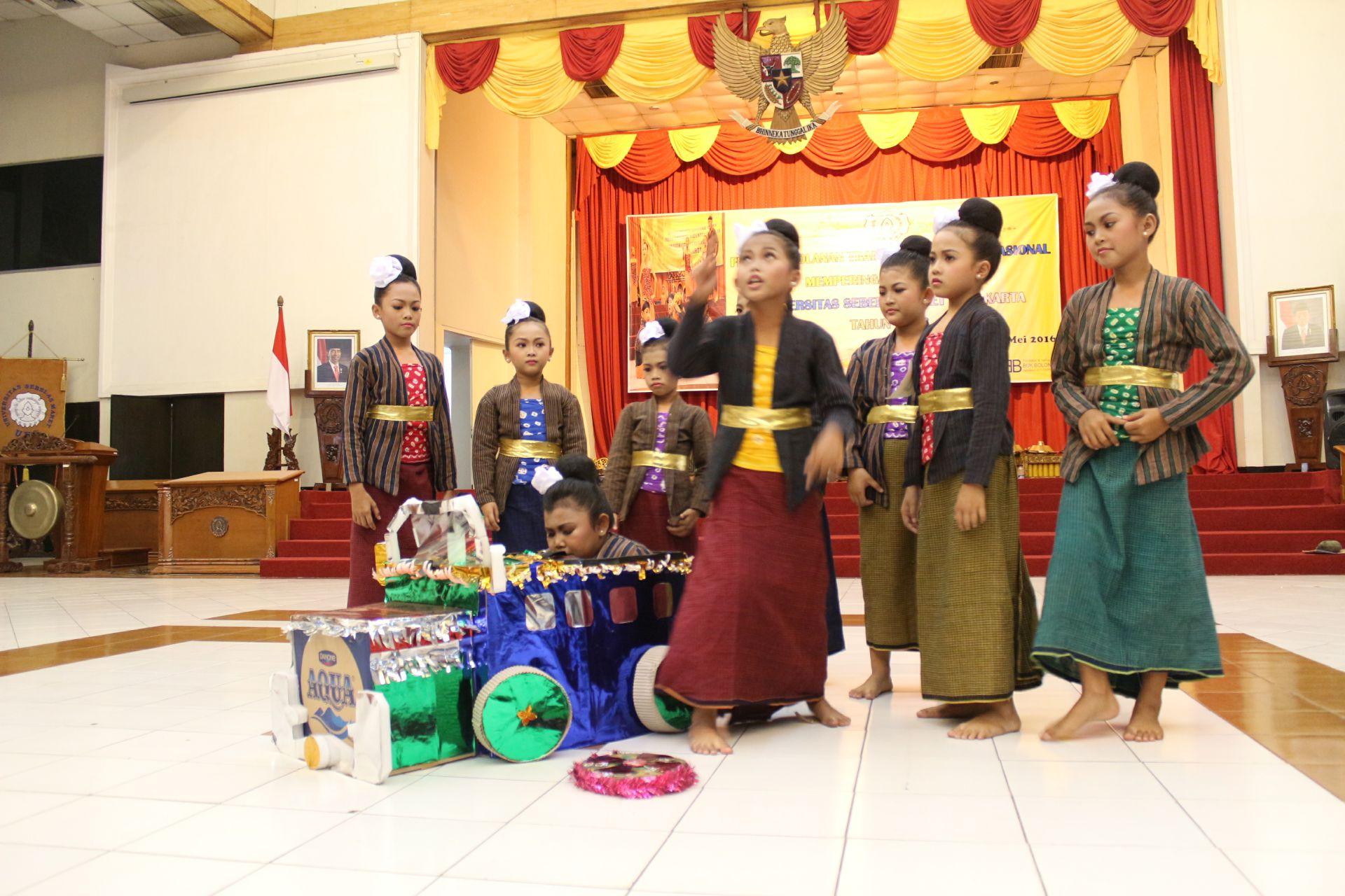 Dolanan Traditional Festival